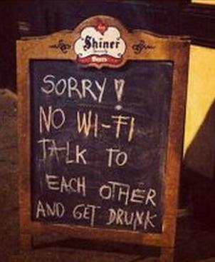 insegne di bar divertenti marketing per bar nessun wifi parlate tra di voi